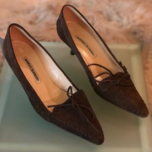 Manolo Blahnik Classic Chocolate Suede Oxford pump